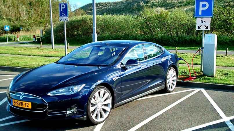 หากเปลี่ยนมาใช้รถยนต์ไฟฟ้าสามารถประหยัดได้มากน้อยแค่ไหน