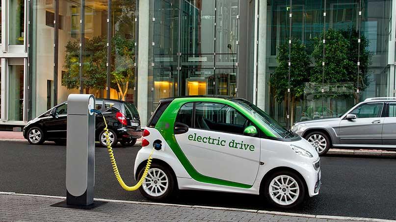 รถยนต์พลังงานไฟฟ้า 100% ก้าวใหม่ของอนาคต